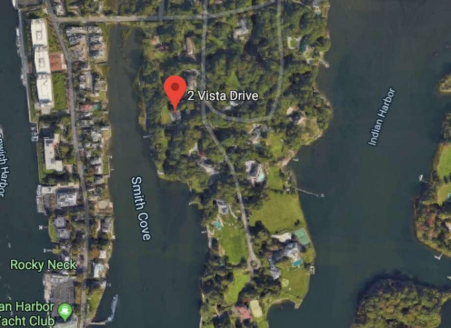 2 Vista Dr:James E. Murphy and Patricia M. Nurphy to Haocal Wen and Shirley Xueyue-Wen $6,200,000 Photo: Google Maps