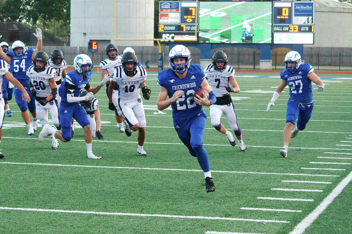 Friendswood running back Noah Palitz (22) will be a key returnee for the Mustangs in 2020.