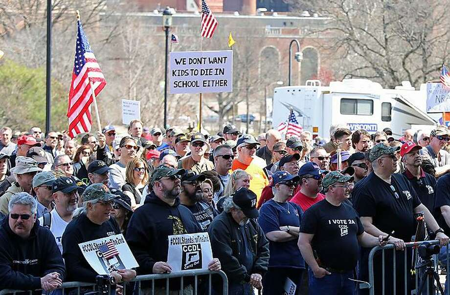 A crowd gathers for the 2018 Second Amendment rally at the state Capitol. Photo: Christine Stuart / CTNewsJunkie.com