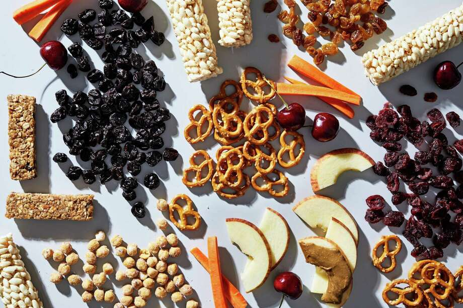 When it comes to food allergies, there are many ways to help your kids snack smarter. Photo: Stacy Zarin Goldberg / For The Washington Post / For The Washington Post