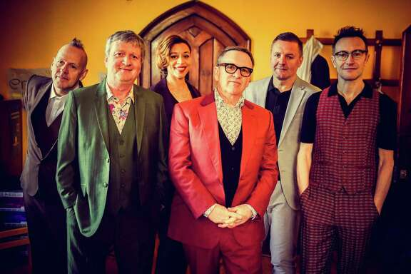 Rock band Squeeze -- featuring co-singer-songwriters Chris Difford and Glenn Tilbrook -- had several hit singles in the '80s.