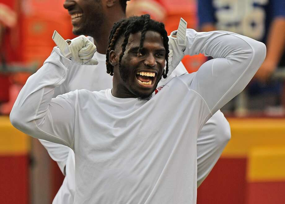 Tyreek Hill was barred from the Chiefs when he was accused of hurting his 3-year-old son. He was cleared by authorities. Photo: Peter Aiken / Getty Images