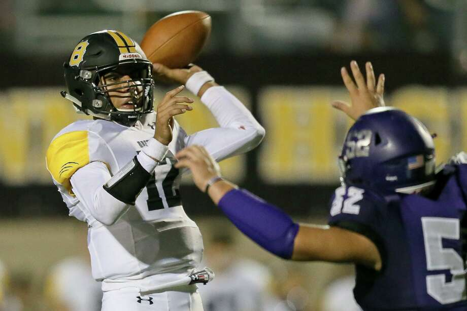 QB Jordan Flores and No. 4 Brennan will put their perfect record against No. 2 Brandeis on the line Friday. Photo: Marvin Pfeiffer /Staff Photographer / Express-News 2019