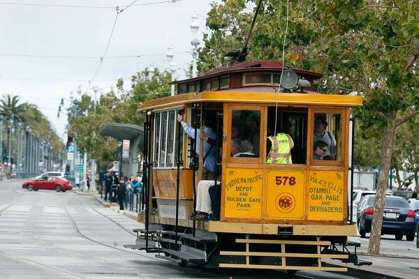 Muni rolls out vintage buses and streetcars for transit