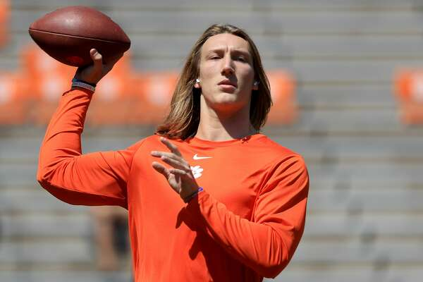 CLEMSON, SOUTH CAROLINA - SEPTEMBER 07: Trevor Lawrence #16 of the Clemson Tigers warms up ahead of their game against the Texas A&M Aggies at Memorial Stadium on September 07, 2019 in Clemson, South Carolina. (Photo by Streeter Lecka/Getty Images)