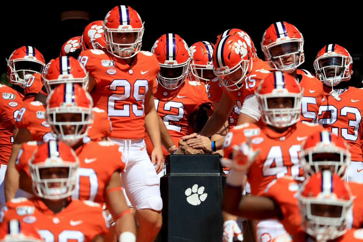 1. ClemsonTotal recruits (signed): 23 (23)Top signed recruit: Bryan Bresee, DT, Damascus (Md.) - No. 1 player in country