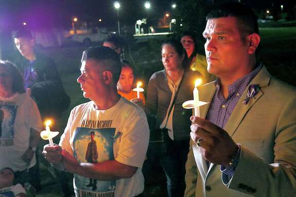 District 1 Council Member Rudy Gonzalez and PILLAR hosted the 8th Annual Candlelight Vigil for World Suicide Prevention Day on Monday, September 10, 2018 at Independence Hills Park. Purple ballons were released and a candlelight vigil was held in honor of victims of suicide and to raise awareness about suicide prevention.
