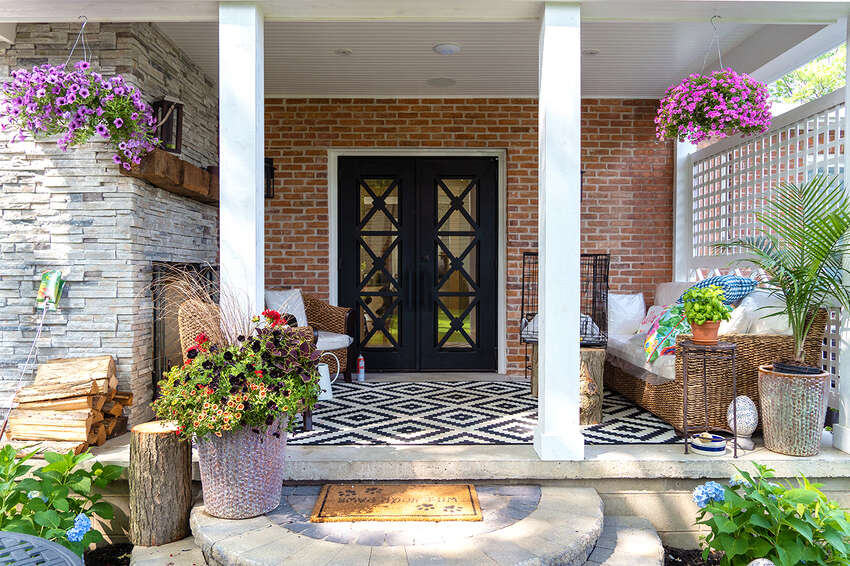 Outdoor living space at 184 Spring St., Saratoga Springs, a renovation by Bonacio Builders.