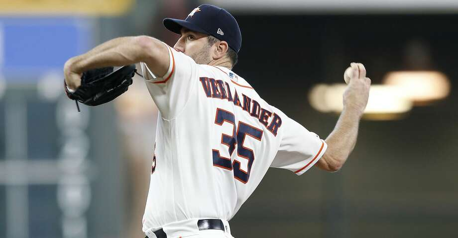 Houston Astros starting pitcher Justin Verlander (35) pitches in the second inning against the Seattle Mariners at Minute Maid Park in Houston on Saturday, Sept. 7, 2019. Photo: Elizabeth Conley/Staff Photographer