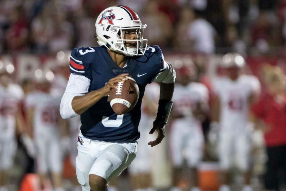 Atascocita quarterback Brice Matthews (3) scrambles away from the defensive pressure and attempts a pass in the second half of a high school football game Friday, Sep 6, 2019, in Humble, Texas. Photo: Joe Buvid, Houston Chronicle / Contributor / © 2019 Joe Buvid