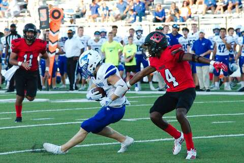 Friendswood holds off Clear Brook for 2nd straight win