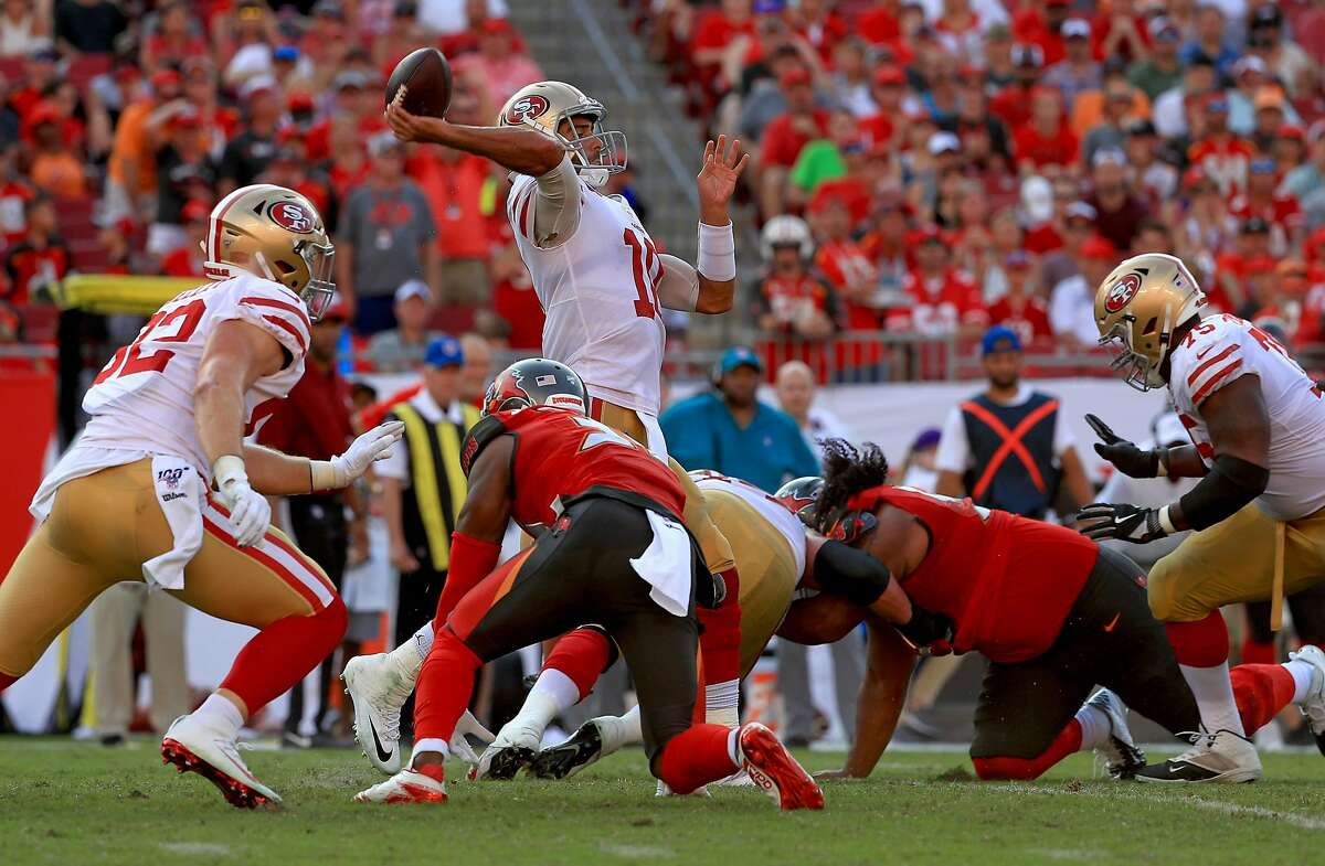 TAMPA, FLORIDA - SEPTEMBER 08: Jimmy Garoppolo #10 of the San Francisco 49ers passes during a game against the Tampa Bay Buccaneers at Raymond James Stadium on September 08, 2019 in Tampa, Florida. (Photo by Mike Ehrmann/Getty Images)