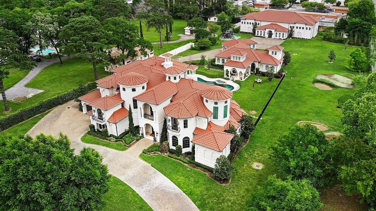 Located in west Houston in the Rivercrest neighborhood, this $6.5 million mansion was once owned by former Houston Rockets point guard Mike James. At 11,384 square feet, the recently remodeled home boasts 11 bedrooms, 10 full and one half bathrooms, a professional sports complex with indoor basketball court and a resort-style pool.
