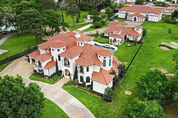 Located in west Houston in the Rivercrest neighborhood, this $6.5 million mansion was once owned by former Houston Rockets point guard Mike James. At11,384 square feet, the recently remodeled home boasts 11 bedrooms, 10 full and one half bathrooms,a professional sports complex with indoor basketball court and a resort-style pool.