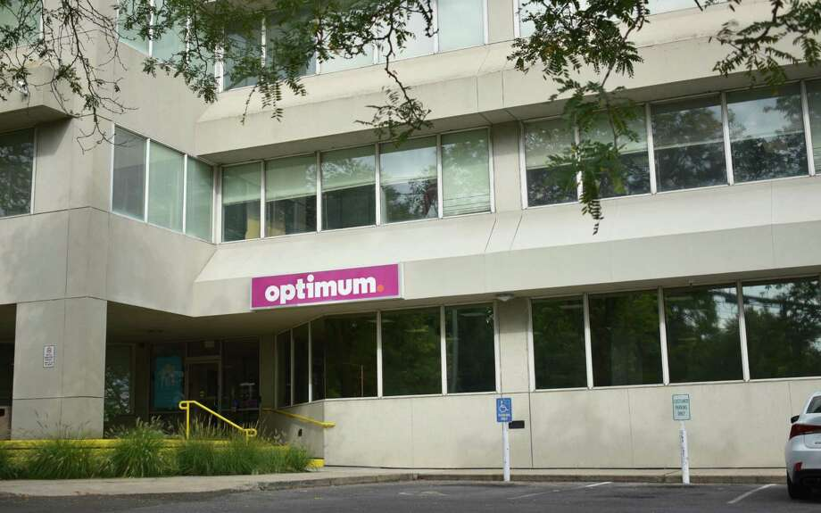Altice USA's Optimum store at 28 Cross St. in Norwalk, Conn. Photo: Alexander Soule / Hearst Connecticut Media