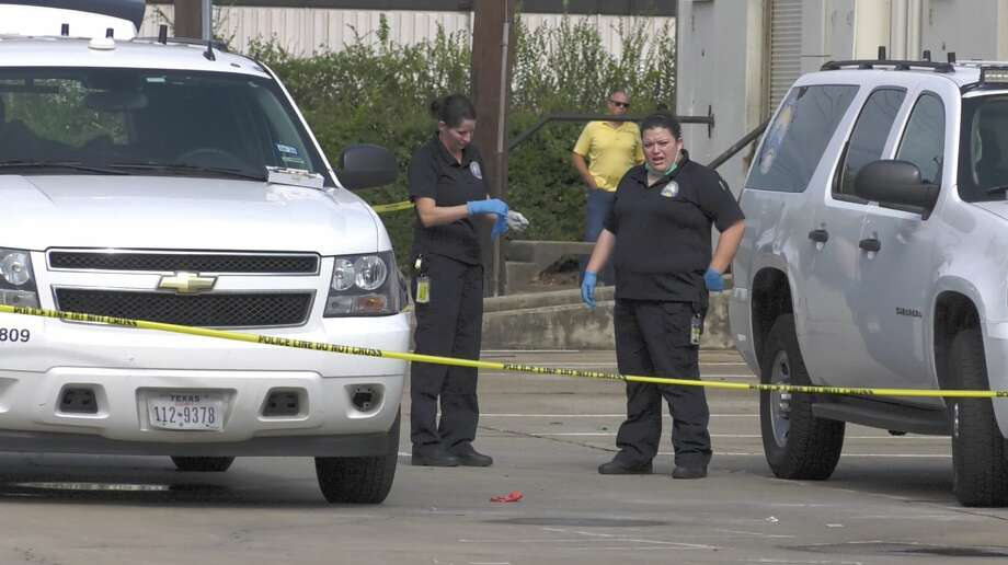 A man was found shot to death outside a southwest Houston business park Monday morning. Photo: Jay R. Jordan / Staff Writer