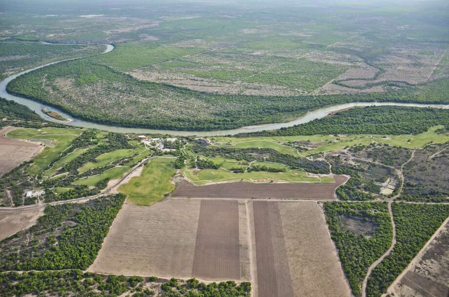 An aerial view of the Rio Grande and Mexico as seen on April, 10, 2014. Photo: Danny Zaragoza/Laredo Morning Times