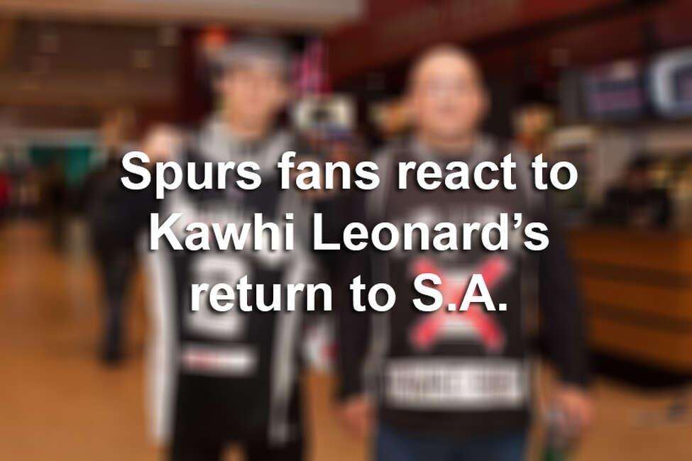 Click ahead to view how Spurs fans reacted to Kawhi Leonard's return to San Antonio.