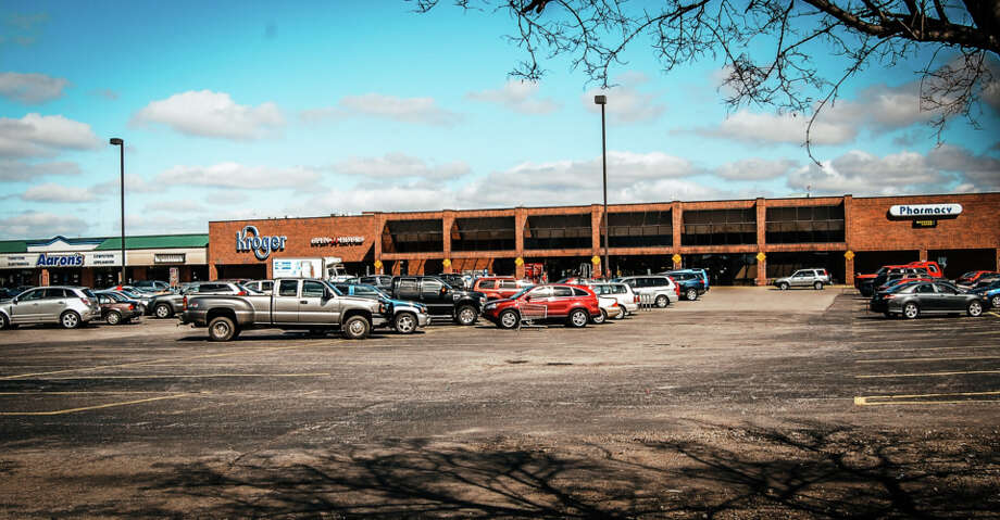 Albanese Cormier Holdings has acquired a retail portfolio including Pine Lake Shopping Center, a 147,017-square-foot Kroger-anchored center in La Porte, Ind., from ShopOne Centers REIT. Photo: Albanese Cormier Holdings