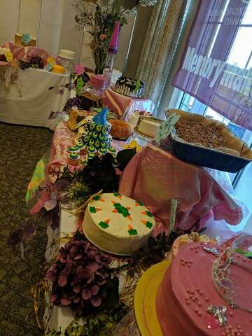 A sweet buy: auction raises funds for Alzheimer's
