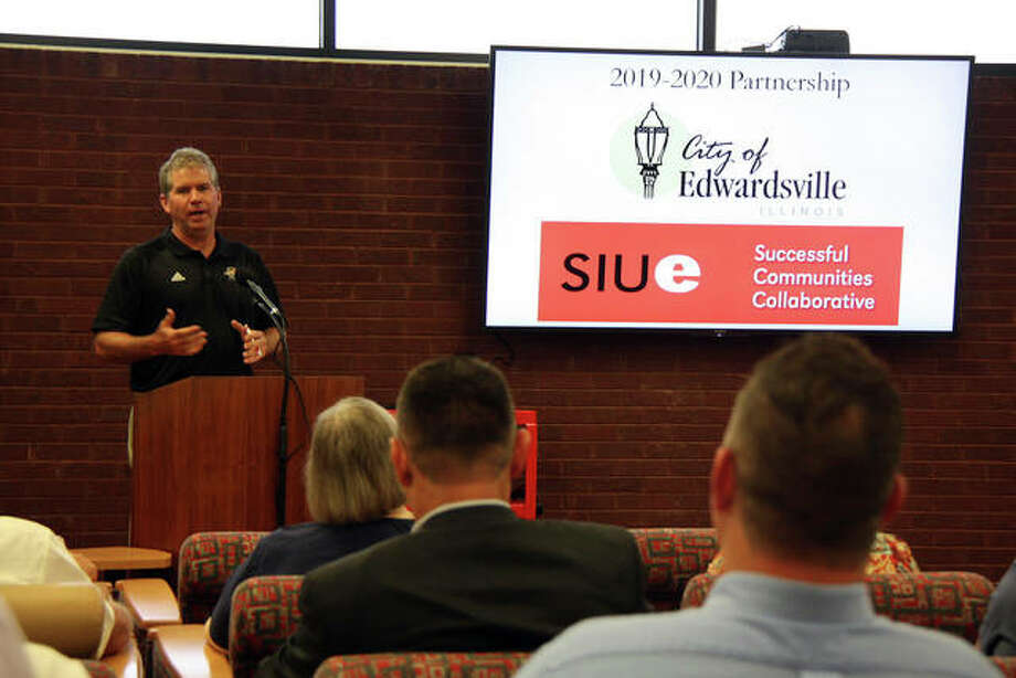 Edwardsville Mayor Hal Patton gives his remarks Monday at SIUE during the city's and university's Successful Communities Collaborative update. Photo: Charles Bolinger/Intelligencer