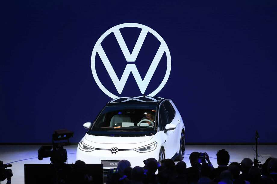 A Volkswagen ID.3 electric automobile sits on stage during its world premiere at the VW Group night ahead of the IAA Frankfurt Motor Show in Frankfurt, Germany, on Sept. 9, 2019. Photo: Bloomberg Photo By Krisztian Bocsi. / © 2019 Bloomberg Finance LP
