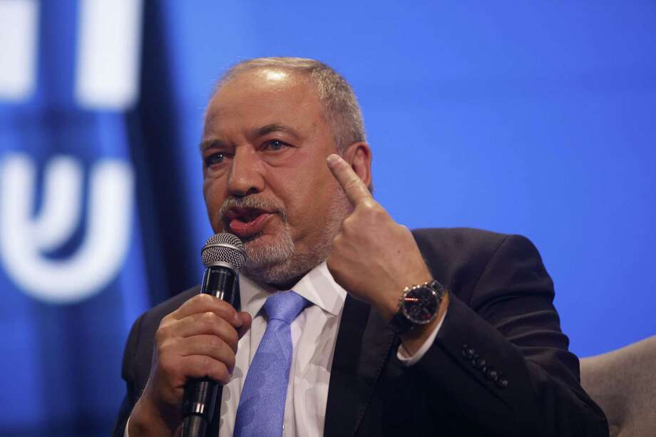 Avigdor Liberman, former Israeli defense minister, gestures as he in Tel Aviv, Israel, on Sept. 5, 2019. Photo: Bloomberg Photo By Kobi Wolf. / © 2019 Bloomberg Finance LP