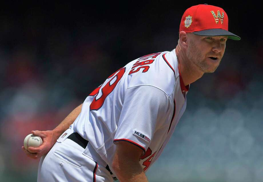 Jonny Venters had season-ending shoulder surgery in early August. He can't throw again until December but plans to try it out. Photo: Washington Post Photo By John McDonnell / The Washington Post