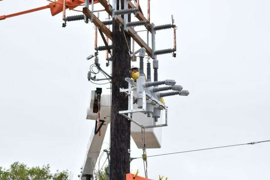 Entergy installing new devices in Woodlands to reduce impact