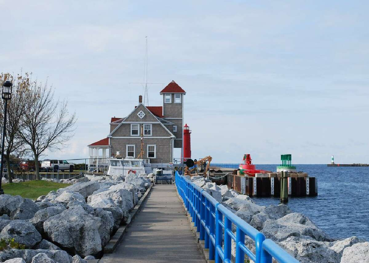 #15. Muskegon, MI - 90/10 ratio in 2015: 4.3 - Median household income: $29,388 - Households making over $75,000: 12.8% - Households making less than $35,000: 57.2% This small city on Lake Michigan's western shore once was an economic powerhouse with thriving lumber, shipping, and manufacturing industries. But those industries declined, and today Muskegon has an unemployment rate that is more than twice as high as the national jobless rate. This slideshow was first published on theStacker.com