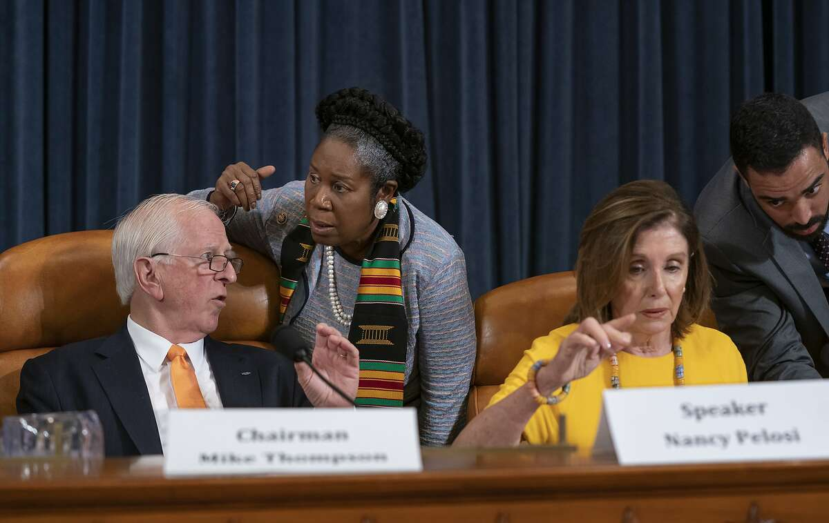 From left, Rep. Mike Thompson, D-Calif., chairman of the House Gun Violence Prevention Task Force, Rep. Sheila Jackson Lee, D-Texas, and House Speaker Nancy Pelosi, D-Calif., and House Democrats hold a forum to urge the Senate to vote on a bill already passed in the House that would expand background checks for gun purchases, on Capitol Hill in Washington, Tuesday, Sept. 10, 2019. (AP Photo/J. Scott Applewhite)