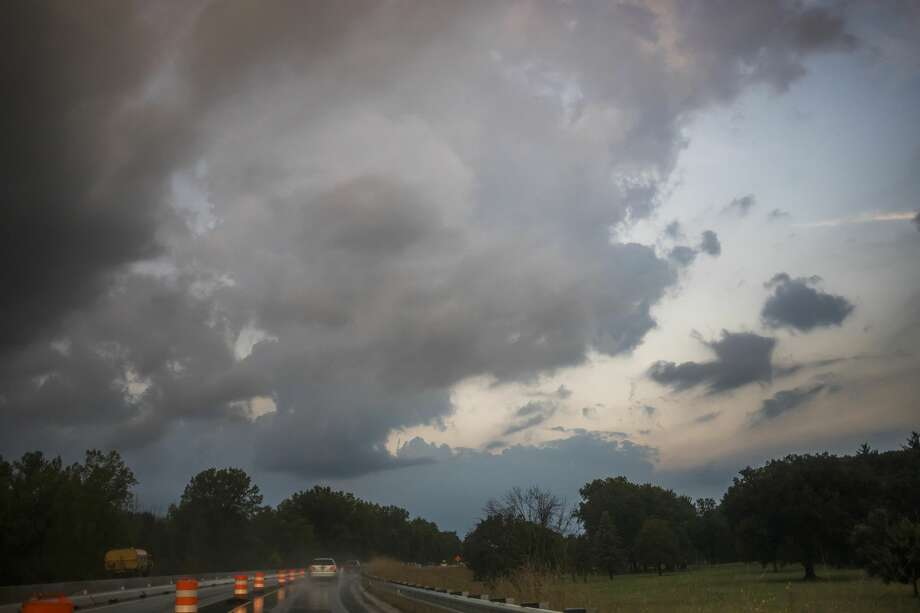 San Antonio will have a gloomy week in store until the next cold front moves in Saturday afternoon. Photo: (Katy Kildee/kkildee@mdn.net)