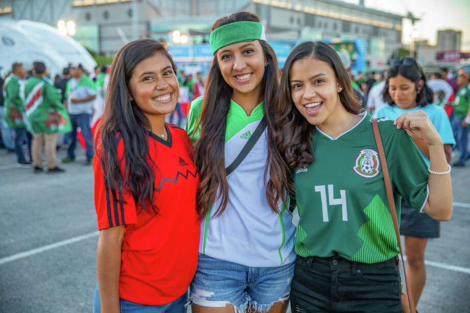 San Antonians came out to see Mexico face Argentina at the Alamodome Tuesday, Sept. 10, 2019. Photo: Photos By Joel Pena For MySA.com / Joel Marcos Pena Jr.