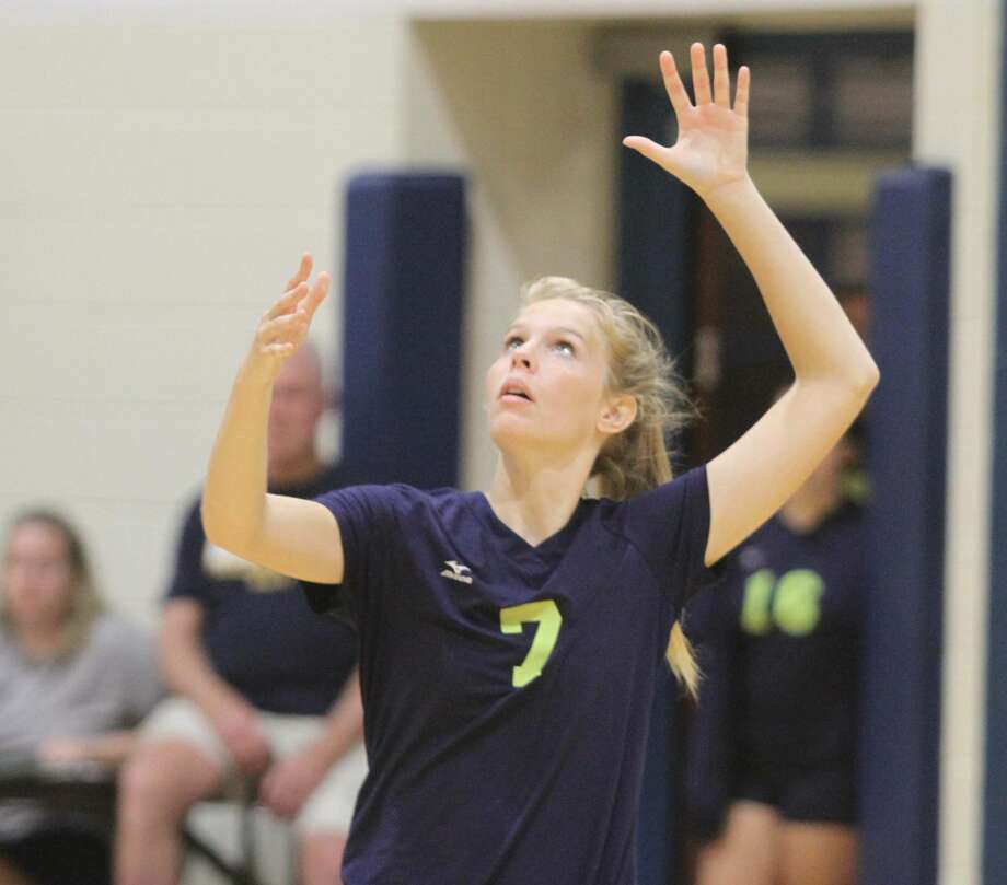 Bad Axe volleyball takes down Caro in a five-game match on Tuesday night. Photo: Eric Rutter / Huron Daily Tribune
