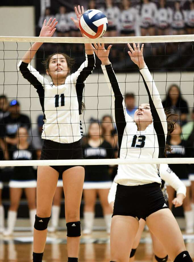 United South swept La Joya Juarez-Lincoln Tuesday in its first home game in more than a month. Photo: Danny Zaragoza / Laredo Morning Times