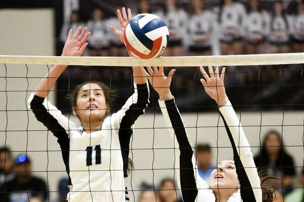 United South swept La Joya Juarez-Lincoln Tuesday in its first home game in more than a month.