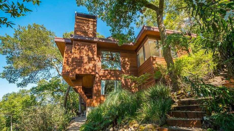 """The actress Renée Wilson, best known for playing """"Raelette"""" Pat Lyle in the 2004 film """"Ray,"""" has put her San Rafael home on the market. Photo: Realtor.com"""