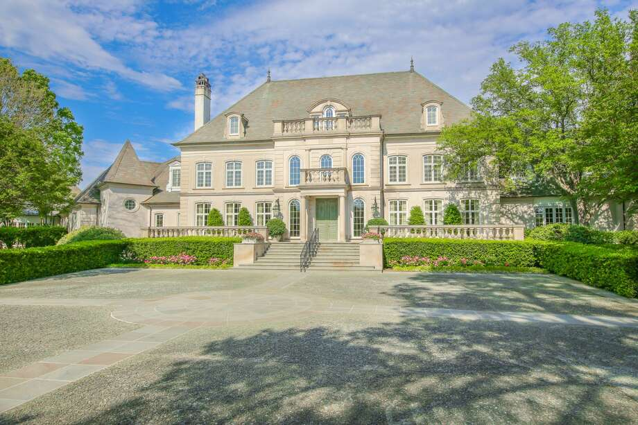 ">>> PHOTOS: The sprawling estate of the late Lonnie ""Bo"" Pilgrim is scheduled for a no-reserve auction. Photo: Courtesy Of Concierge Auctions"