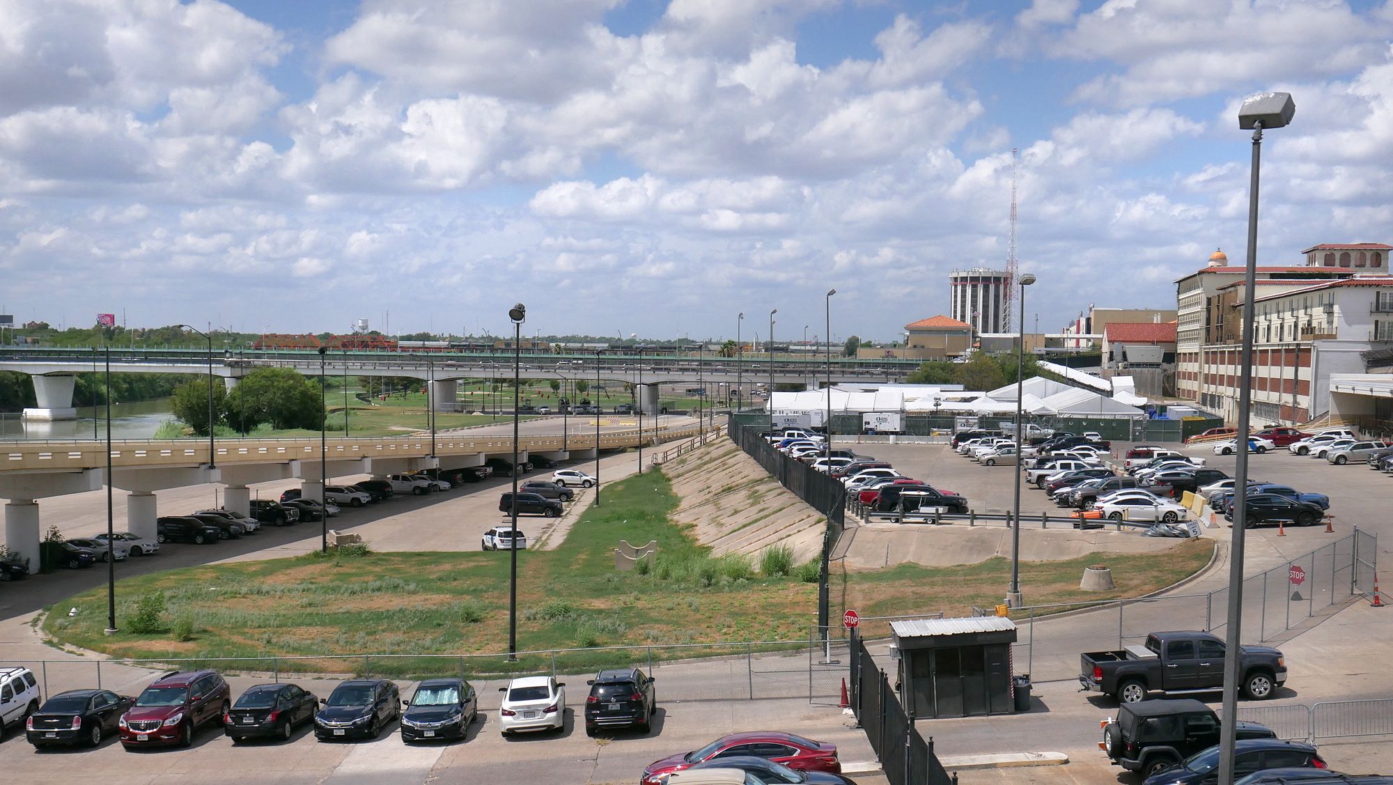Laredo tent facility begins processing migrants, refuses entry to public, media without clearance