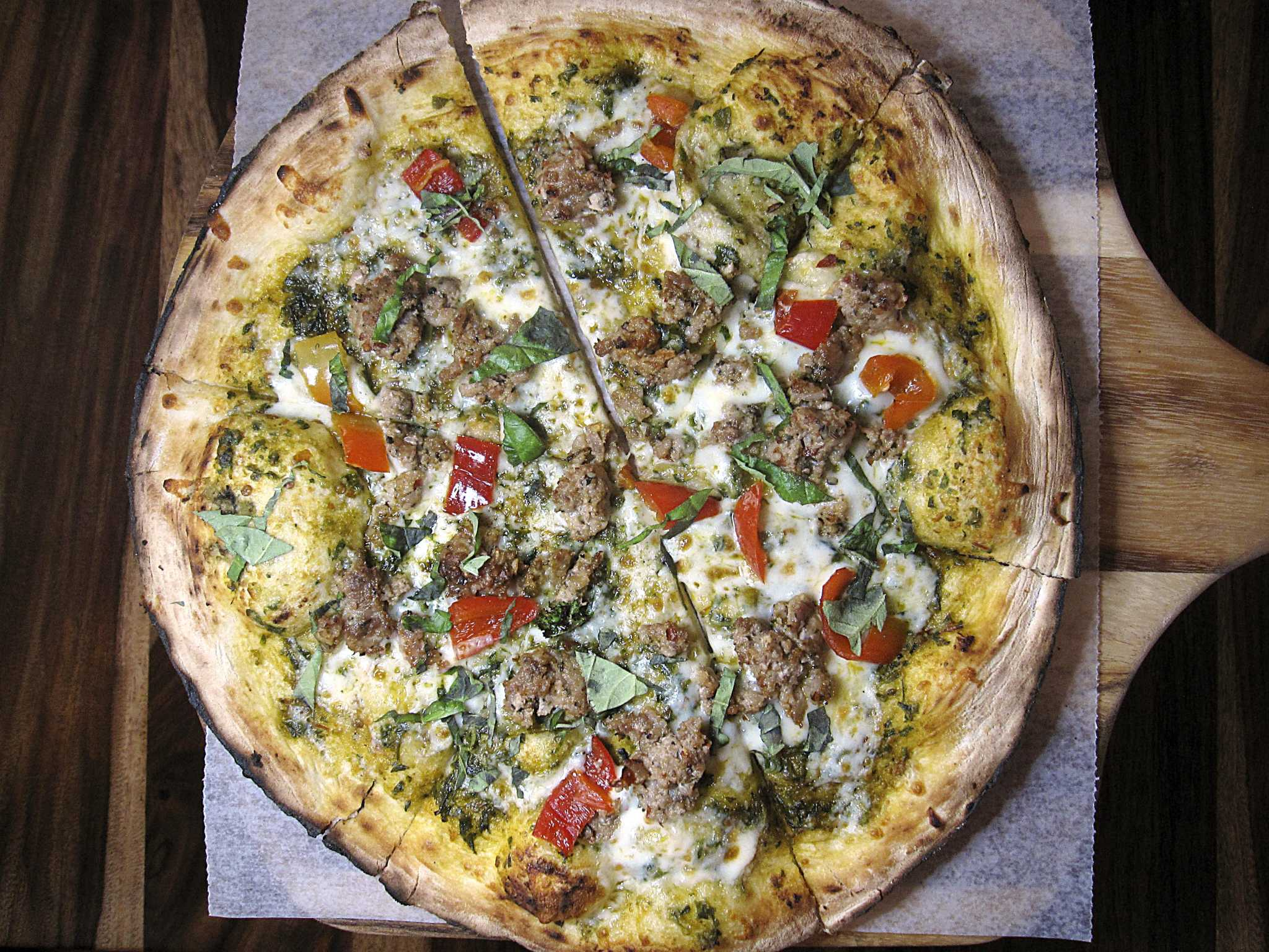 Review: 188 South brings artisan pizza, cocktails and small plates to New Braunfels