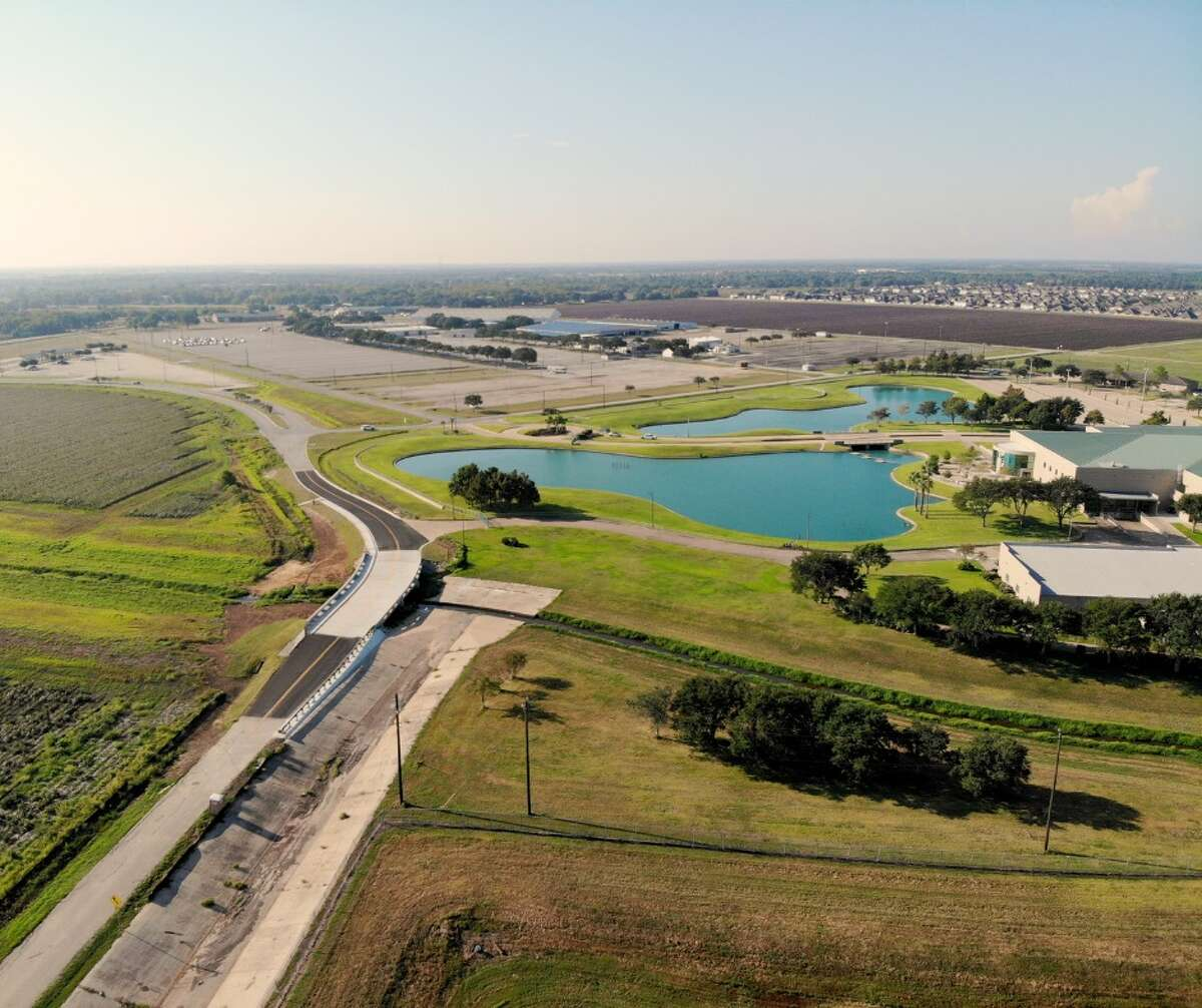 The city of Rosenberg reports that the Fairgrounds Road Bridge Reconstruction Project has been completed by the Texas Department of Transportation and is now reopen for access.