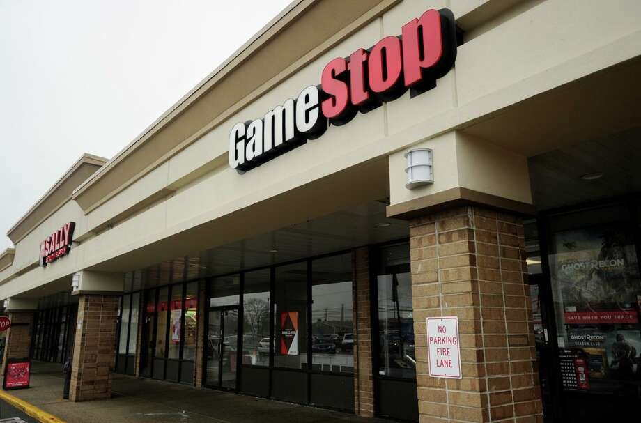 The GameStop store in the Stratford Square plaza at 411 Barnum Avenue Cutoff in Stratford, Conn. on Monday, March 27, 2017. The company is announcing closures of stores. Photo: Brian A. Pounds / Hearst Connecticut Media / Connecticut Post