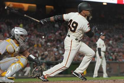 Giants' Jaylin Davis leaves game after getting hit by pitch on left wrist