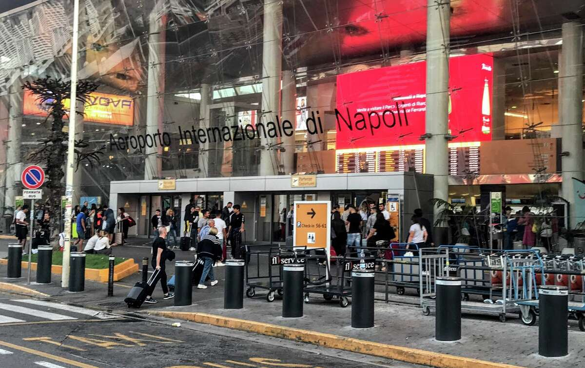 Naples Airport: brighter, cleaner, more modern and convenient than expected