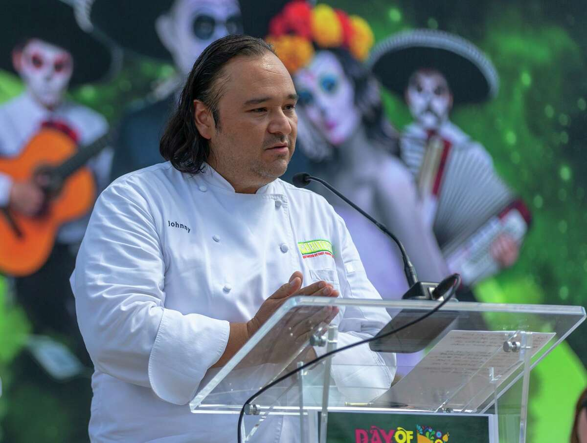 In response to the restaurant industry challenges presented by the coronavirus crisis, grocery giant H-E-B is carrying fresh prepared foods from chef Johnny Hernandez's San Antonio restaurant La Gloria.
