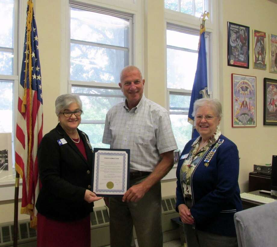 Sarah Riggs Humphreys-Mary Silliman Chapter Regent Patricia King, left, Mayor Mark Lauretti and Constitution Week Chair Mary Rozsa. Photo: Contributed Photo / Connecticut Post