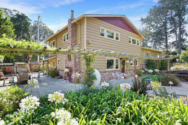 A 2-acre equestrian estate on Montara Beach? Yes, for $2.495M.