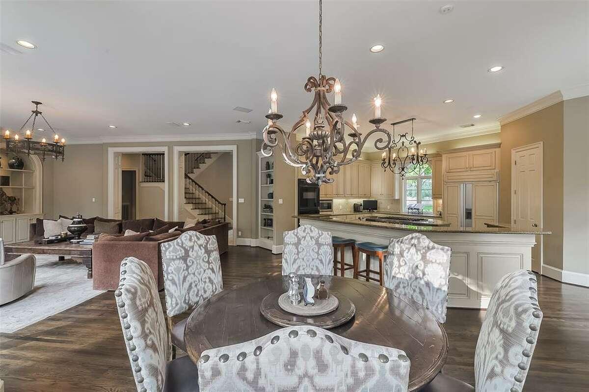 10.3 Crestwood Estates DriveHouse sold: $3.3 million - $3.8 million6 bed | 7 full & 2 half bath | 9,831 sq. ft.