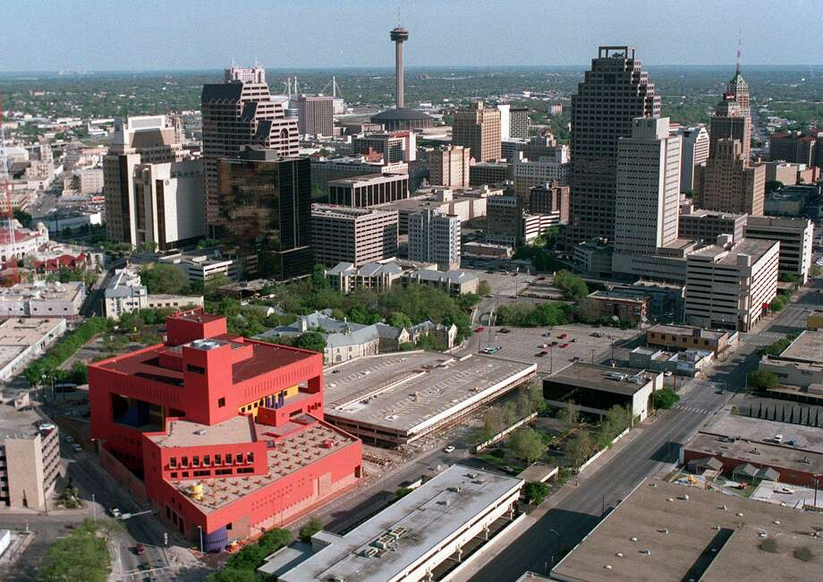 Quiet but beautiful weather is in store for San Antonio on Thursday. Photo: Staff File Photo / SAN ANTONIO EXPRESS-NEWS