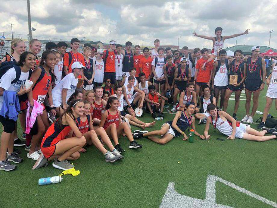 Seven Lakes cross country finished as team runner-up in the girls and boys Elite divisions at the Region III Preview in Huntsville. Photo: Seven Lakes High School / Seven Lakes High School